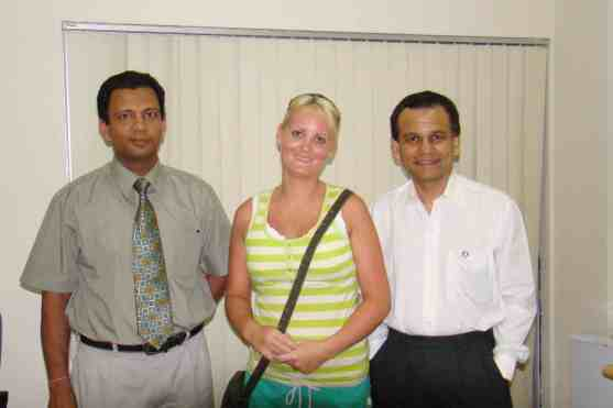 Dr Dulip on the right and Dr Thushan and the left with a client from the UK.